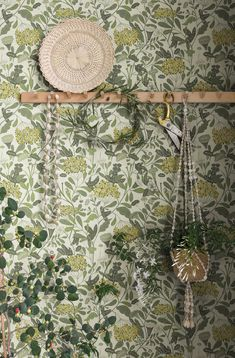 Bold Wallpaper, Vinyl Wallpaper, Pattern Wallpaper, Minimalist House Design, Minimalist Home, Blue Christmas Decor, Victorian Wallpaper, Copper Rose, Arts And Crafts Movement