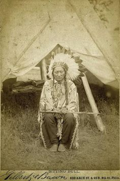 Geronimo, Sitting Bull and other Native American Cabinet Cards Native American Photos, Native American Women, Native American History, Native American Indians, Native Indian, Native Art, Native American Genocide, Sitting Bull, Indian Pictures
