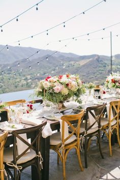 Gorgeous views: http://www.stylemepretty.com/2015/04/03/red-pink-malibu-mountaintop-wedding/ | Photography: Onelove - http://www.onelove-photo.com/