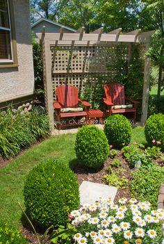 For the smaller back yard.  garden-photos-com