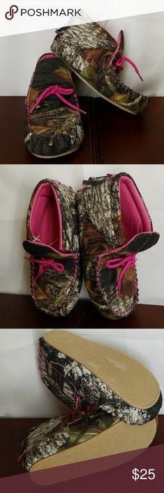 "Blazin Roxx Moccasins Camo slip on moccasins 7 1/2 "" length  Toddlers size 1 blazin Roxx Shoes Moccasins"