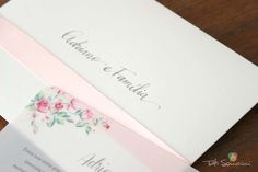 Caligrafia para convites com bico de pena. #caligrafia #convitedecasamento #casamento #bicodepena