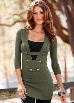 Vestido verde en botones