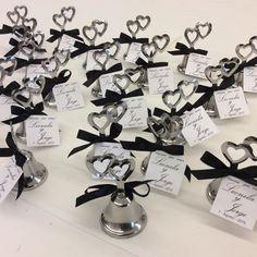 campanas con corazones para novios en su boda Our Wedding, Wedding Gifts, Wedding Ideas, 25th Anniversary, Ideas Para, Minis, Favors, Wedding Decorations, Place Card Holders
