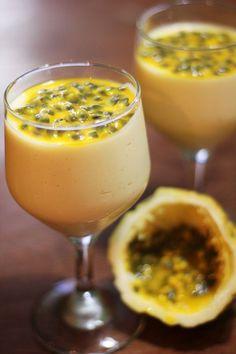 Crème de fruits de la passion - Fruits, lait concentré sucré et crème - Dessert découvert en Guyane chez ma soeur Isa, très très très bon mais ne pas en abuser ;-) Ingrédients : - 6 gros fruits de la pas...
