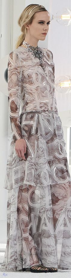 Fancy Dress, Dress Up, Chanel Brand, Chanel Boutique, Chanel Outfit, Fashion Brand, Womens Fashion, Classic Style Women, Fashion Updates