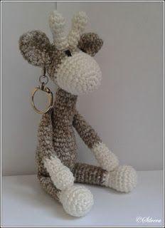 Sil's Corner: Patroon mini giraf sleutel/tassen hanger, #haken, gratis patroon, Nederlands, mini knuffel, speelgoed, #sleutelhanger, #haakpatroon, amigurumi