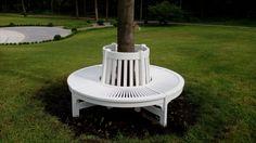 Круглая деревянная скамья (малая) белого цвета для сада.