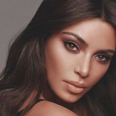 So many exciting products coming for @kkwbeauty! This bronze look Mario did with our new palette and lip. We used our concealers which will be restocked 4-3 on kkwbeauty.com Kim Kardashian Kylie Jenner, Kim Kardashian Wedding, Kim Kardashian Bikini, Kris Jenner, Kardashian Style, Kardashian Beauty, Kardashian Family, Jenners, Makeup Goals