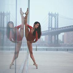 Ballet and dancing Dance Photo Shoot, Dance Photos, Dance Pictures, Street Dance, Dance Moms, Tumblr Ballet, Dance Aesthetic, Caroline White, Dance Photography Poses