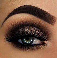 Smokey Eye Makeup Tutorial For Blue Eyes Smokey Eye Pale Skin - Easy Make Up Gold Eye Makeup, Makeup Eye Looks, Beautiful Eye Makeup, Natural Eye Makeup, Eye Makeup Tips, Makeup For Brown Eyes, Cute Makeup, Eyeshadow Makeup, Makeup Brushes