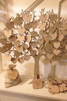 Siete alternativas---http://www.weddingandweddingflowers.co.uk/article/1249/seven-wedding-guestbook-alternatives