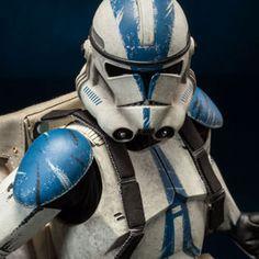Star Wars Clone Trooper Deluxe: 501st Sixth Scale Figure
