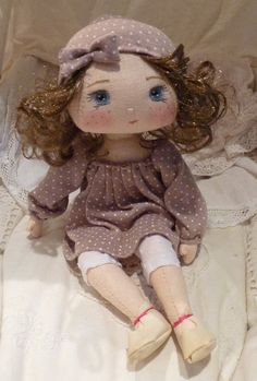 doll cloth / fabric collection - the Fireflies Round Felt Dolls, Doll Toys, Baby Dolls, Homemade Dolls, Sewing Dolls, Waldorf Dolls, Diy Doll, Cute Dolls, Fabric Dolls