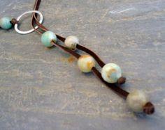 Piedras semipreciosas collar de Boho de gamuza / cuero de