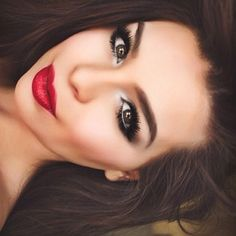 Gorgeous Eye Makeup For Radiance And Gaze Intensity Eye Makeup, Red Lip Makeup, Glam Makeup, Gorgeous Makeup, Pretty Makeup, Makeup Goals, Makeup Tips, Makeup Ideas, Red Dress Makeup