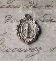 Dainty Miraculous Medal Of The Immaculate Conception 1830 Blessed Virgin Mary Mother Of God ~ SOLD!!!
