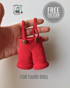 No photo description available. Crochet For Boys, Crochet Baby, Free Crochet, Knit Crochet, Crochet Doll Clothes, Crochet Dolls, Tulum, Teddy Bear Clothes, Crochet Disney