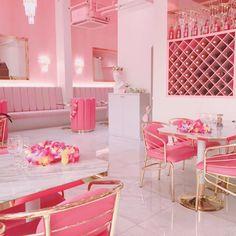 インスタで大人気!!ピンクとブルーの階に分かれている弘大のレストラン【DFIVE】