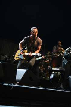 Photos from the road: Virginia Beach April 12 - The Official Bruce Springsteen Website