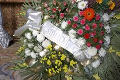 Understand the etiquette of sending flowers for a funeral or memorial service.