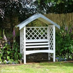 I was so excited when George at Asda asked me if I would like some garden products. I chose the Larchlap Sienna arbour Seat, which I had just the spot for in my side garden.
