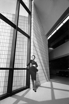 1984 - Sylvie Barin in Angelo Tarlazzi by JeanLoup Sieff 4 Vogue France High Fashion Photography, Book Photography, White Photography, Magnum Photos, Jean Loup Sieff, French Photographers, Portraits, Female Portrait, Fashion Books
