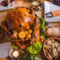 10 Thanksgiving facts to gobble up Thanksgiving Trivia, Thanksgiving Stories, Best Thanksgiving Side Dishes, Thanksgiving Day Parade, Turkey Gravy, Yams, Mac And Cheese, Celebration, Stuffed Mushrooms
