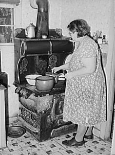 Cooking Lunch (1940)