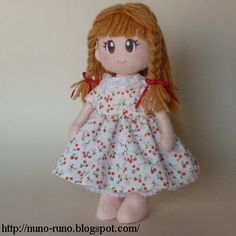 One-piece dress for simple felt doll.