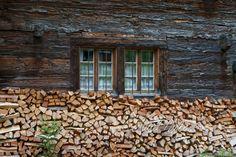 Motive finden - Conrad Amber Firewood, Texture, Crafts, Woodwind Instrument, Wood Walls, Craft Work, Woodburning, Manualidades, Craft