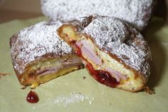 MONTE CRISTO DONUT! Fried powdered donut stuffed with ham, melty cheese and warm jelly