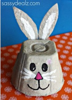 Make enticing egg carton DIY crafts like garden pots, painted lamps etc. with basic craft supplies and creativity. Explore upbeat egg carton DIY craft ideas here. Easter Craft Activities, Easter Crafts For Kids, Christmas Crafts For Kids, Toddler Crafts, Preschool Crafts, Halloween Christmas, Literacy Activities, Easter Ideas, Egg Carton Crafts