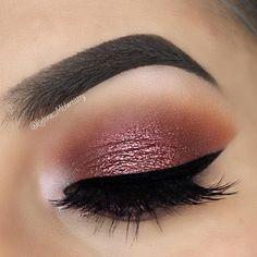 Simple brown and shimmery cranberry makeup look Kiss Makeup, Love Makeup, Makeup Inspo, Makeup Inspiration, Hair Makeup, Brow Gel, Gel Eyeliner, How To Make Hair, Eye Make Up