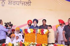 A huge crowd had gathered to show their pride and love for Punjab's war heroes on the occasion of Punjab State War Heroes Memorial and Museum. Addressing an impressive gathering after dedicating the Rs 130 crore memorial, CM Parkash Singh Badal said that it was our onerous duty to mitigate the hardships faced by the Ex-servicemen and Defence personnel forthwith as gratitude towards their outstanding services to defend the security and sovereignty of the country. #SAD #ShiromaniAkaliDal…