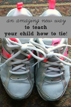 An incredible NEW way to teach your child to tie their shoes. My kids learned in a mere 5 minutes. You must see this tutorial! Parenting tips for raising kids. Gentle Parenting, Parenting Hacks, Tie Shoelaces, Raising Kids, Kids Education, Life Skills, My Children, Kids Learning, Teaching Kids