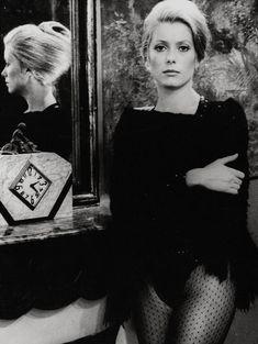 Catherine Deneuve in  Françoís Truffâut's 1969 film 'La sírène dú Míssíssípí'