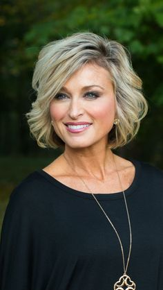 hairstyles for women over 50 for thin hair over 50 46 Top Hairstyles For Women Over 50 bob hairstyles thin fine hair curly Curly Hair Styles, Short Hair Styles Easy, Elegant Short Hair, Top Hairstyles, Short Hairstyles For Women, Modern Hairstyles, Mother Of The Bride Hairstyles, Wedding Hairstyles, Women's Medium Hairstyles
