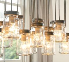 Looking for some great home decor DIY projects to spice up the nooks and crannies in your house? Check out these 10 mason jar decorations!