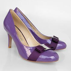 Sleek 2-tone purple pumps