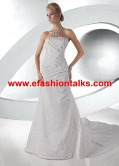 Style 52026 » Limited Edition » Wedding Gowns » DaVinci Bridal » Available Colours : Ivory, White