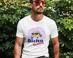 Sivar Estilo Productos con frases Salvadoreñas by SivarEstiloShop Best Quality T Shirts, Surf City, Great T Shirts, Urban Outfits, Streetwear Fashion, Street Wear, Street Style, Unisex, Trending Outfits