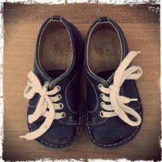 Twitter / PBroek: #Synchroonkijken Dag 6. Iets kleins...mijn eerste schoentjes