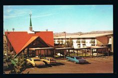 c. 1966 postcard of Barstow CA Howard Johnson's.