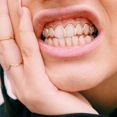 "Gefällt 613 Mal, 17 Kommentare - Погремухи (@pogremuhi) auf Instagram: ""Metal mouth accessory. Dolly Cohen / Аксессуары для рта. Dolly Cohen / #pogremuhi #jewelry…"""