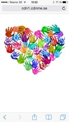 Hand print art Handprint crafts-- I hate handprint art! Auction Projects, Class Projects, Art Projects, Auction Ideas, Art Auction, Silent Auction, Kids Crafts, Pre School Crafts, Art Crafts