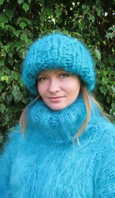Sweater Hat, Angora Sweater, Sweater Outfits, Turtleneck, Gros Pull Mohair, Thick Sweaters, Catsuit, Jumpers, Mittens