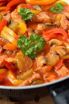 Schab po bałkańsku – to pyszna propozycja na obiad. Kawałki schabu w pysznym sosie pomidorowym z dodatkiem różnokolorowych papryk, smakują nieco podobnie do węgierskiego leczo, lecz właśnie zamiast kiełbasy jest wcześniej wspomniany schab :) Inspiracją do tego przepisu był wpis u Danka pichci, w którym wprowadziłam niewielkie modyfikację. Danie to można przygotować dzień wcześniej, a następnego […] Pork Recipes, Salad Recipes, Cooking Recipes, Healthy Recipes, Turkish Recipes, Ethnic Recipes, Chicken Menu, Food Design, My Favorite Food