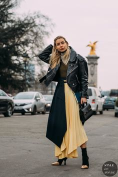 Irina Lakicevic by STYLEDUMONDE Street Style Fashion Photography FW18 20180301_48A2947 #streetstyle