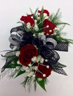 fire and ice Black Corsage, Red Corsages, Prom Corsage And Boutonniere, Flower Corsage, Corsage Wedding, Homecoming Flowers, Homecoming Corsage, Prom Flowers, Bridal Flowers